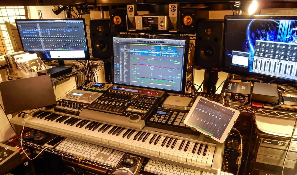 studio-Top-(1---1)